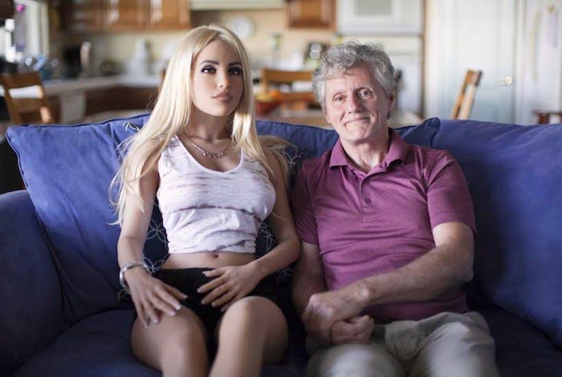 Вучето се чуди откъде да намери 3-4 хиляди долара, за да си купи секс-робот