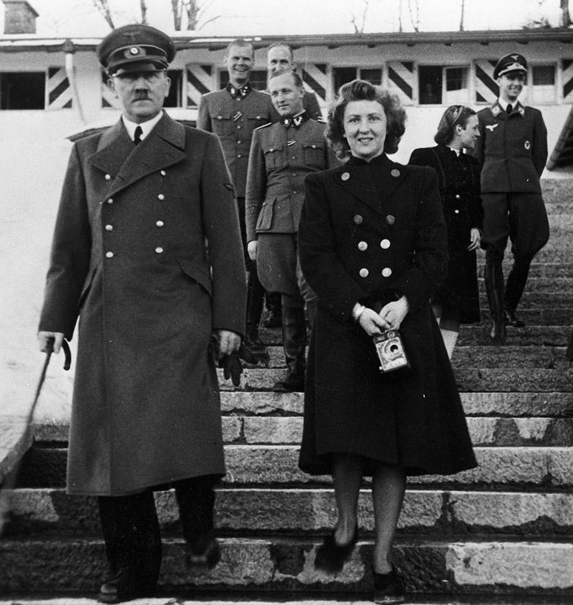 Вучето влиза в депресивния, студен, извратен и сексуално-фрустриран свят на Адолф Хитлер и Ева Браун
